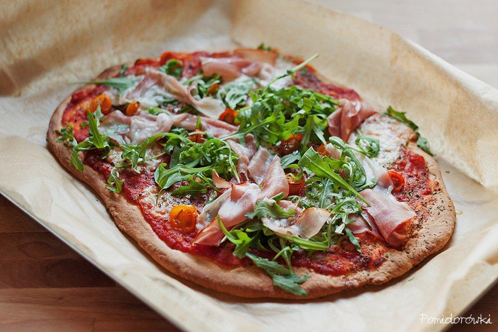 Pizza z szynką rukolą mozzarellą ikona wpisu