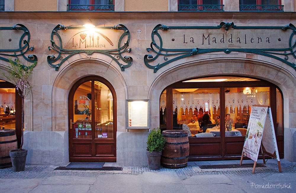 Restauracja La Maddalena od frontu wejscie od ulicy Włodkowica
