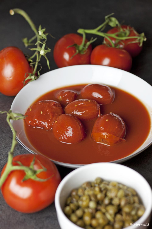 pomidory z puszki całe bez skórki