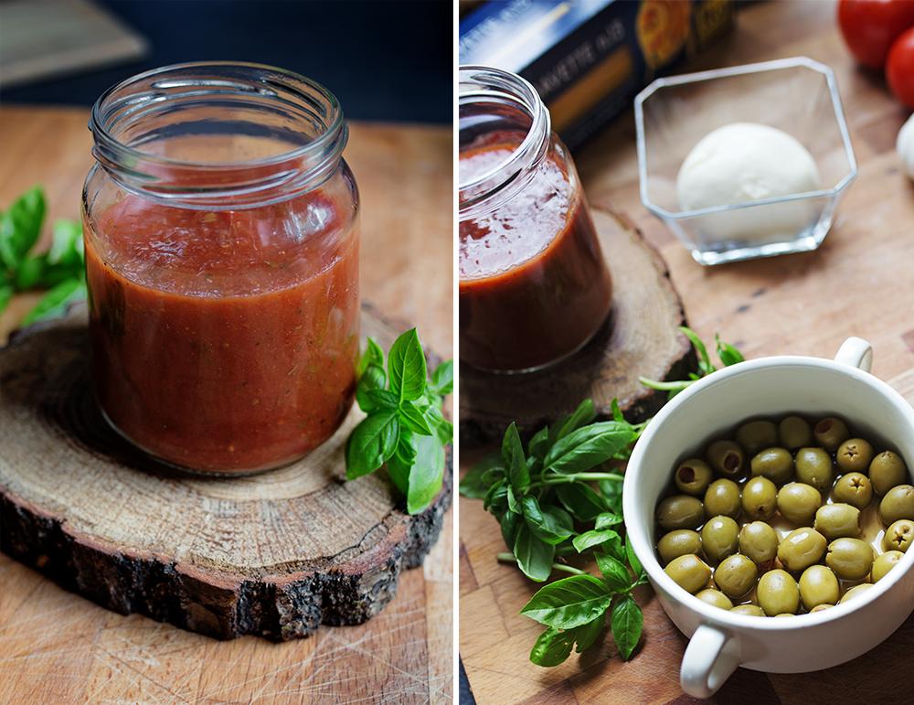 domowy sos pomidorowy i zielone oliwki