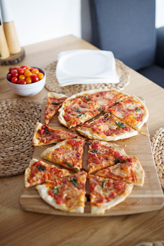 Upieczona najlepsza pizza na idealnie cienkim cieście
