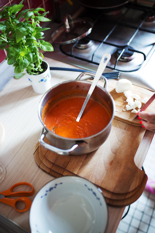 zblendowany krem z pomidorów i papryki